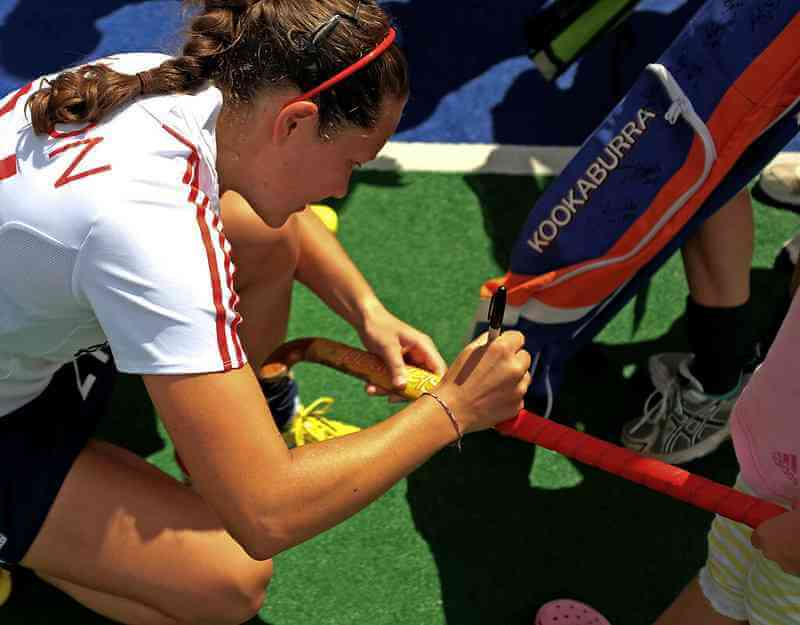 What are Features good to Consider in a Field Hockey Stick?